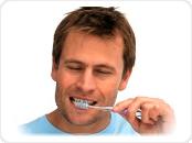 escovação durante o clareamento dental